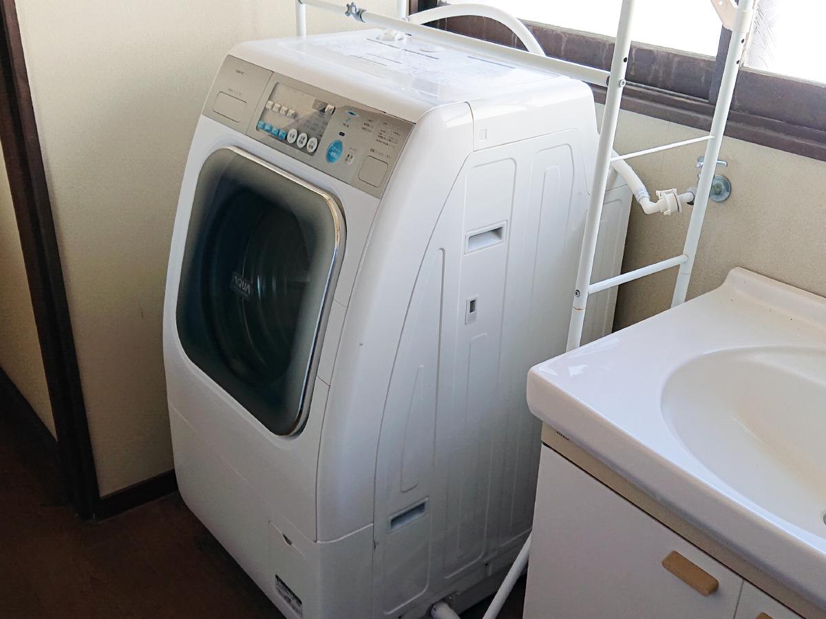乾燥機付ランドリーコーナー